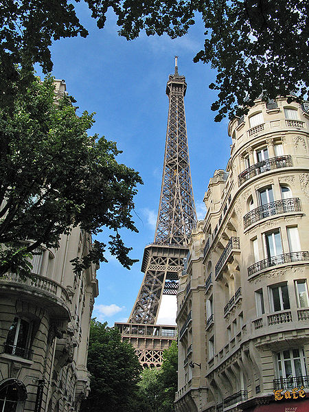 Eiffel_tower_paris-france