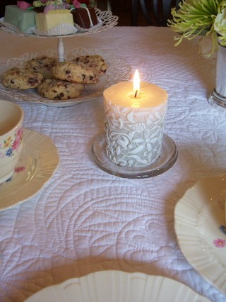 Blog_candles_on_tea_table_2
